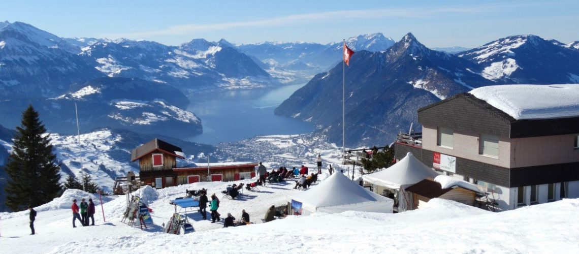 what-to-wear-skiing-lodge